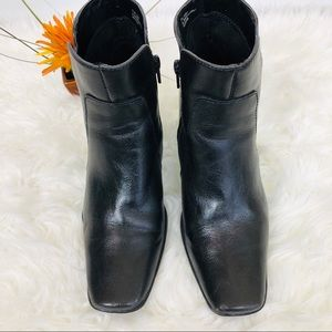 Aerosoles Ankle Black Heels Boots Size 7.5